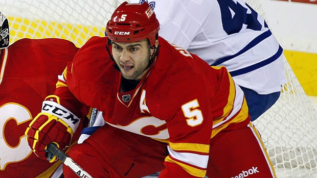 Pittsburgh Penguins should be the main flavour this week, but there's still room in this week's pool for a good value pickup like Calgary defenceman Mark Giordano. (Jeff McIntosh/Canadian Press)