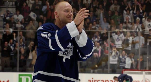 Toronto's Mats Sundin, seen celebrating his 500th NHL goal with the home crowd in 2006, expressed surprise upon getting the Hockey Hall of Fame call. (Dave Abel/Getty Images)