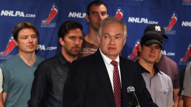 NHLPA executive director Donald Fehr, front, continues to have the full support of the players. (Bruce Bennett/Getty Images)
