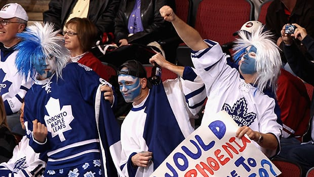 Dedicated Toronto Maple Leafs fans have helped earn the franchise a $1 billion US valuation, according to a Forbes Magazine report. (Christian Petersen/Getty Images)