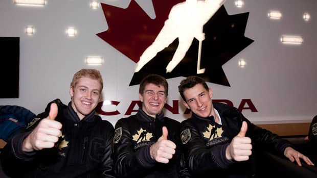 Dougie Hamilton, left, Mark Scheifele, centre, and Ryan Strome, right, hope to end Canada's gold drought at the world junior championship in Ufa, Russia. (Jeff McIntosh/Canadian Press)