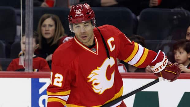Jarome Iginla spent 16 seasons with the Calgary Flames, scoring 525 goals and 570 assists in 1,219 games. (Mike Ridewood/Getty Images)