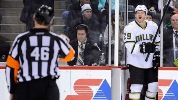 No one is immune from professional NHL agitator, Steve Ott, not even the referees. (File/Getty Images)