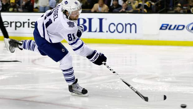 Toronto Maple Leafs winger Phil Kessel scored the game winner against the Boston Bruins Saturday night. (Elise Amendola/Associated Press)