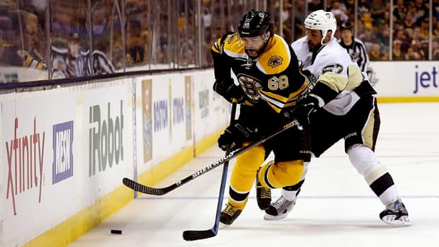 Forward Jaromir Jagr (68) was a big reason the Boston Bruins were able to defeat the Pittsburgh Penguins in double overtime Wednesday night. (Bruce Bennett/Getty Images)