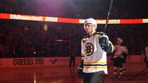 Jarome Iginla of the Boston Bruins salutes the crowd Tuesday at Scotiabank Saddledome in his first game against the Flames since being traded from Calgary last March. (Derek Leung/Getty Images)