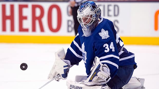 Maple Leafs goaltender James Reimer made 34 saves to lift Toronto to victory against the visiting Phoenix Coyotes on Thursday. (Frank Gunn/Canadian Press)