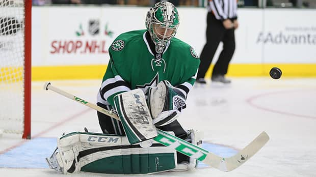 Dallas Stars goaltender Kari Lehtonen has posted save percentages of .920 or better in five of his last six games for a 4-0-2 record in that span. (Ronald Martinez/Getty Images)