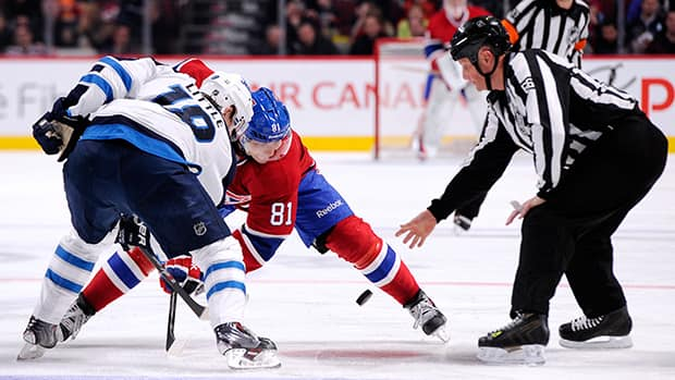 The alteration to faceoffs would include making centres in violation of rules move 12-to-18 inches back instead of being kicked out of the circle. (Richard Wolowicz/Getty Images)