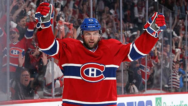 Forward Thomas Vanek, formerly of the Montreal Canadiens, inked a $19.5-million free-agent deal with the Minnesota Wild.  (Francois Laplante/Getty Images)