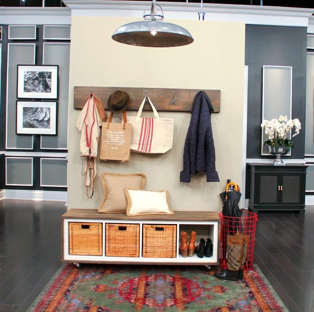 Stylish DIY Front Hall Bench