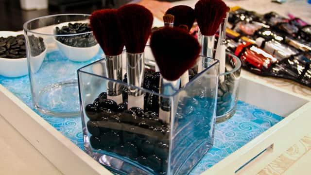 DIY Makeup Brush Stand