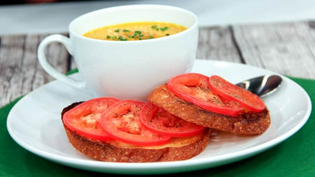 Dress Up Your White Dinnerware Set: Soup and Sandwich Presentation