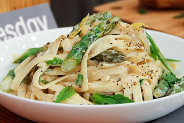 Voula Halliday S Beef And Asparagus Pasta With Lemon Cream