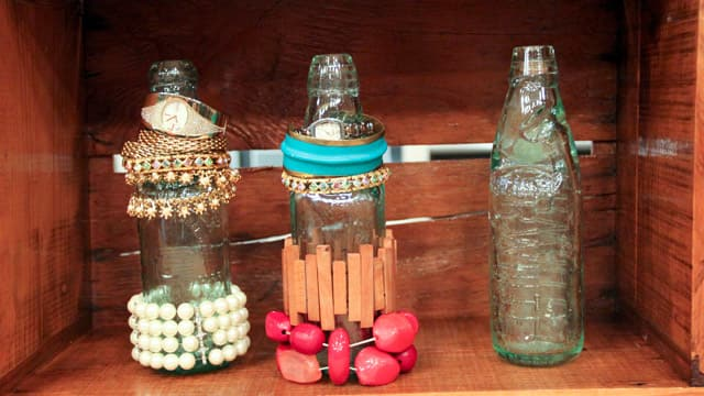 Soda Bottles to Display Bangles