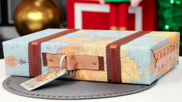 Creative Holiday Wrapping for the Traveller