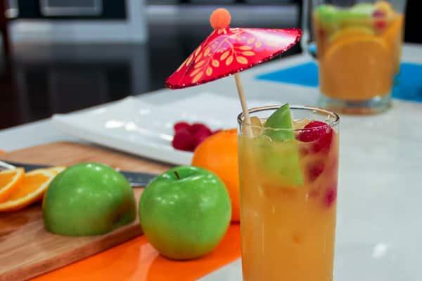 mai tai cocktail with umbrella - photo #23