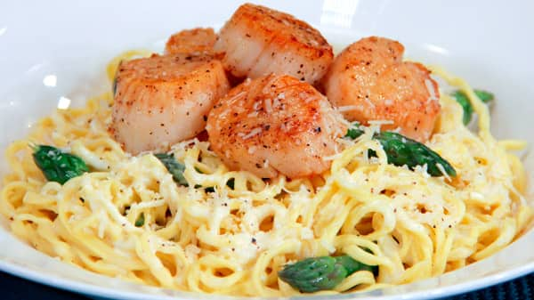 Seared Scallops Pasta In Foolproof Alfredo Sauce Steven And Chris