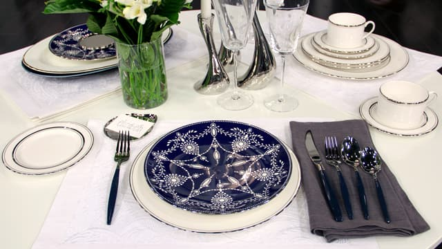 Winter Tabletop Trends: Stars