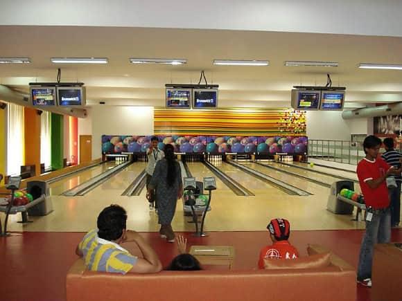 INFOSYS_bowling.jpg