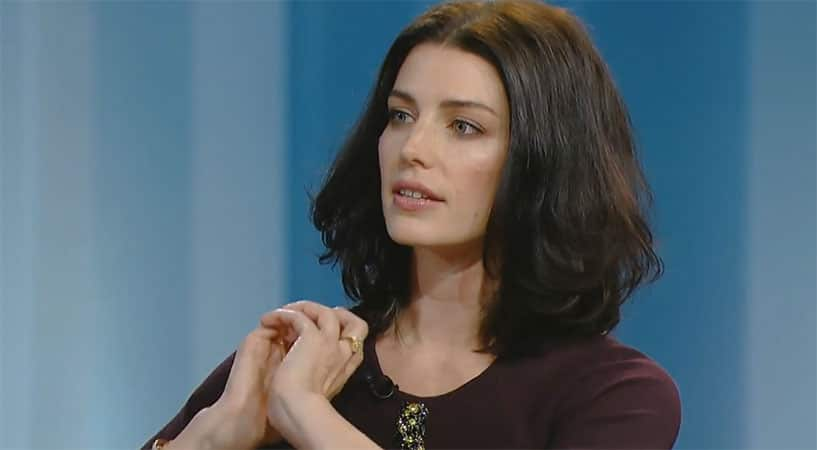 "Jessica Paré On Mad Men Season 7: Violence And Despair Are Coming ""Closer And Closer"""