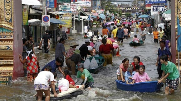 New-Report-Says-Many-of-the-worlds-natural-disasters-in-2011-were-the-worst-ever-is-it-because-of-climate-change-feature2.jpg