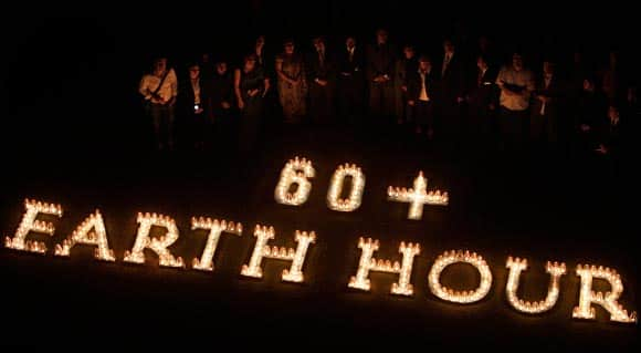 Turn-out-the-lights-earth-hour-2013-is-almost-here-more-than-150-countries-to-take-part-feature1.jpg