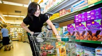 What-A-Waste-New-Study-Says-Cdns-Throw-Away-27-Billion-Worth-Of-Food-Every-Year-feature3.jpg