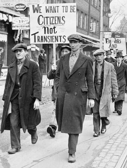 canada and great depression In the 1930s, canadians suffered through the worst economic depression in their history up to a quarter of the workforce was unemployed hundreds of thousands of people lost their homes, their businesses, their hopes and their dreams.