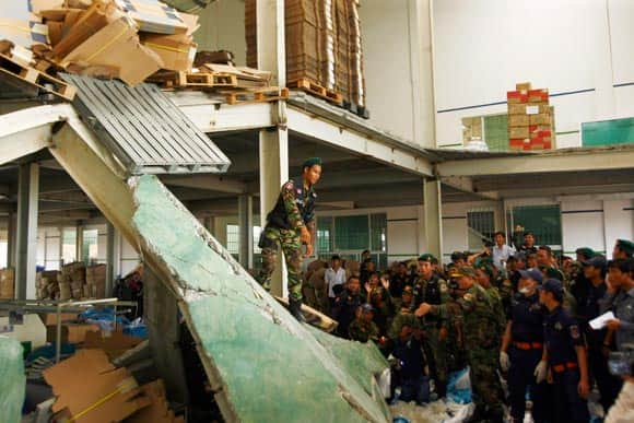 ceiling-collapses-at-shoe-factory-in-cambodia-feature2.jpg