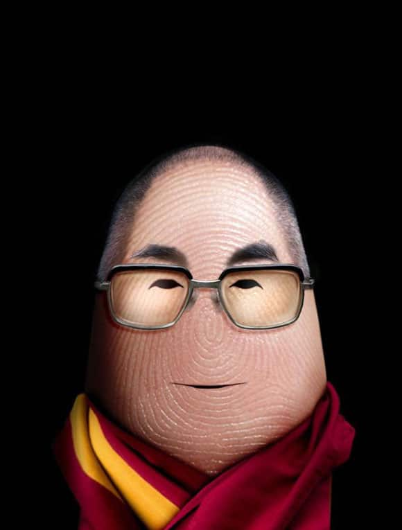 celebrity-fingers-dalai-lama.jpg