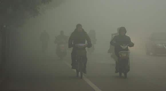 chinese-media-calls-out-government-over-dangerous-levels-of-pollution-and-smog-feature1.jpg