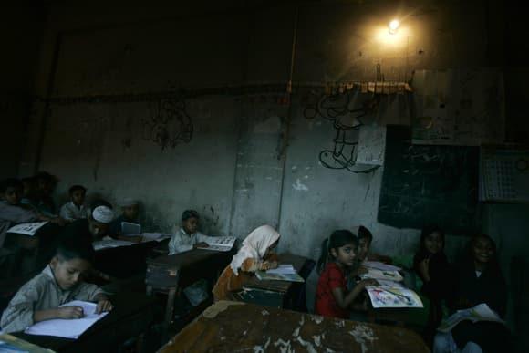 guinea-students-pakistan.jpg