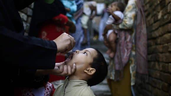 gunmen-in-pakistan-kill-five-women-working-for-a-un-backed-polio-vaccination-campaign-feature2.jpg