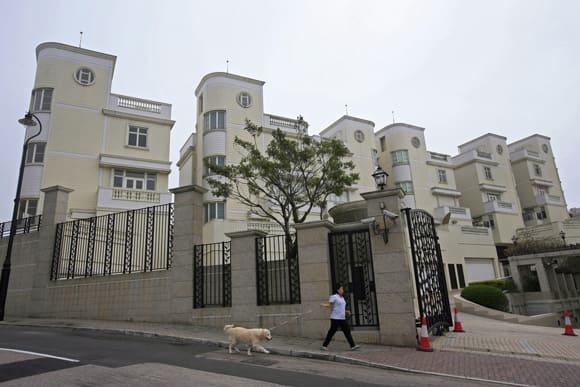 hong-kong-cages-mansions.jpg