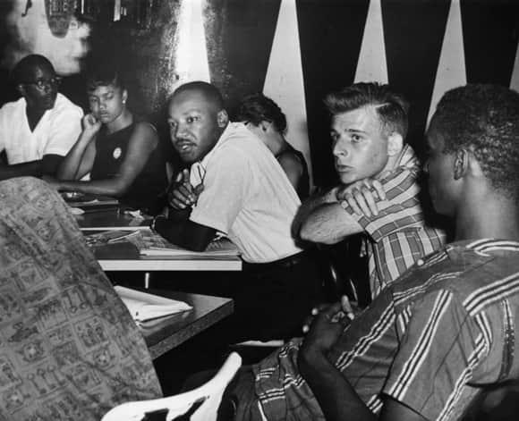 king-civil-rights-meeting-01-january-1960-580.jpg