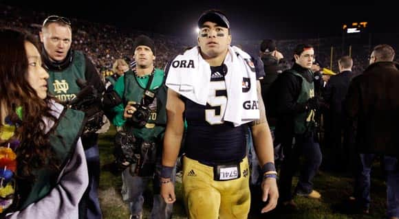 manti-teo-the-bizarre-story-of-a-college-football-star-with-a-made-up-dead-girlfriend-sparks-questions-buzz-and-jokes-feature1.jpg