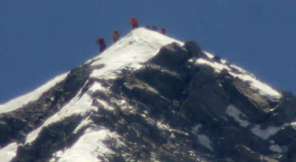 mount-everest-is-getting-crowded-feature3.jpg