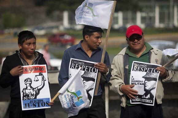 rios-montt-protestors.jpg