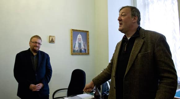 stephen-fry-russia-feature.jpg