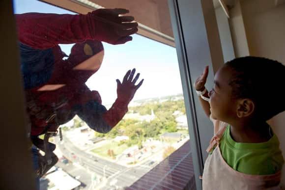 superhero-window-washer-spidey-memphis.jpg
