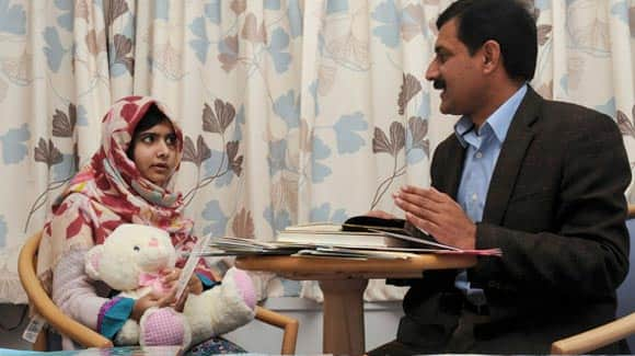 tens-of-thousands-of-people-around-the-world-sign-petition-for-malala-yousafzai-to-be-honoured-with-nobel-peace-prize-feature1.jpg