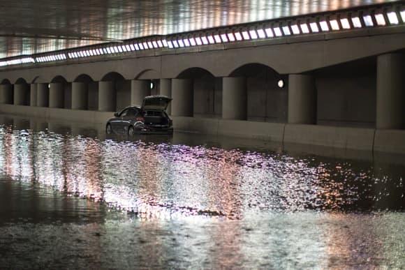 toronto-flood-car-tunnel.jpg