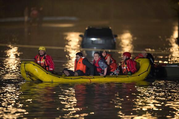 toronto-flood-dinghy.jpg