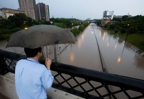 toronto-flood-umbrella-watch.jpg