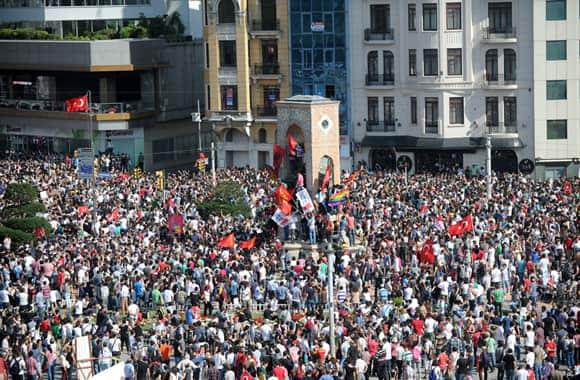 turkey-protests-crowd-getty.jpg