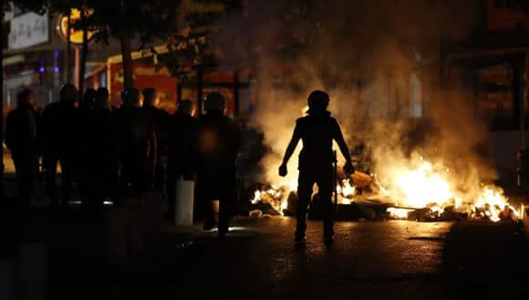 turkey-tear-gas-riot-police.jpg