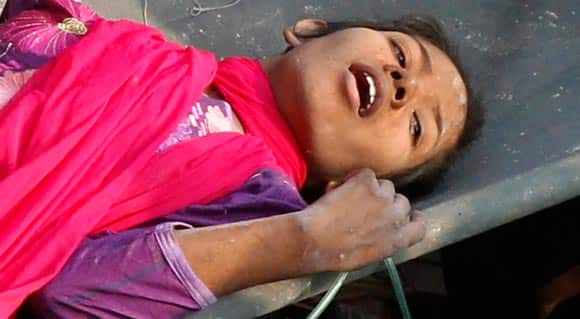 woman-found-alive-after-17-days-in-rubble-of-collapsed-building-in-bangladesh-feature1.jpg