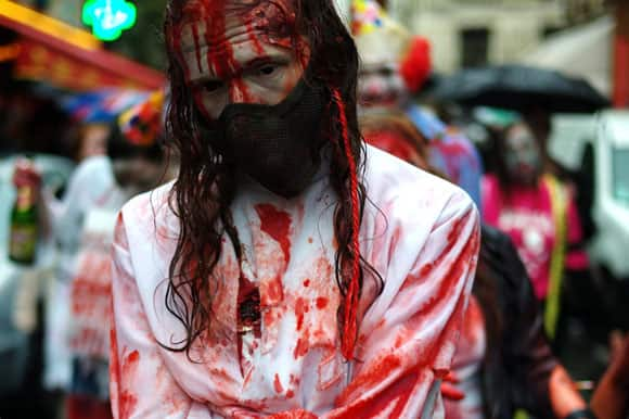 zombie-walk-paris-1-feature.jpg