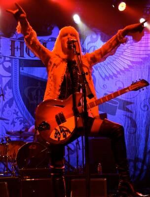 HOLE rock-Photo by Jess Watt.jpg